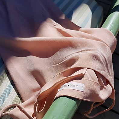 robe en soie rose poudré col. JEANNE | JEANNE VOILIER