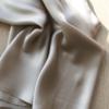 Tops et robes en soie Mastic, Col. LOUISE   JEANNE VOILIER