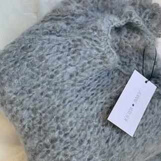 pull gris bleu | Jeanne Voilier, créatrice soies de jour et bijoux précieux