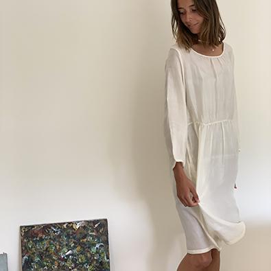 robe Blue line dress et Jill ivoire | Jeanne Voilier créatrice soies et bijoux précieux