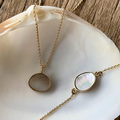 bijoux or et nacre MOON | Jeanne voilier, soies et bijoux précieux