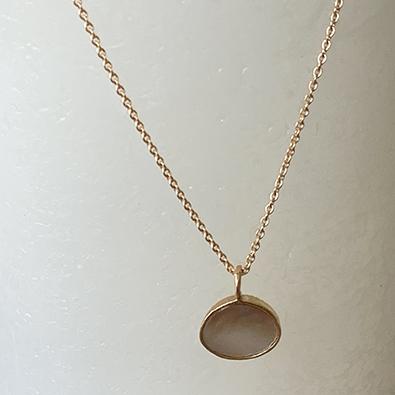 pendentif or et nacre MOON | Jeanne voilier, soies et bijoux précieux