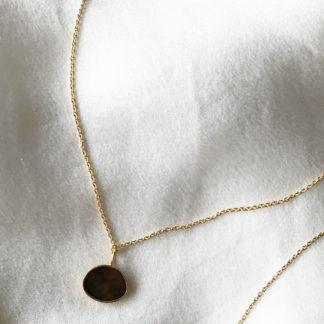 bijou or et nacre grise Moon | Jeanne Voilier, créatrice soie et bijoux précieux